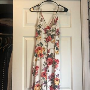 Adorable dress that ties in the back!